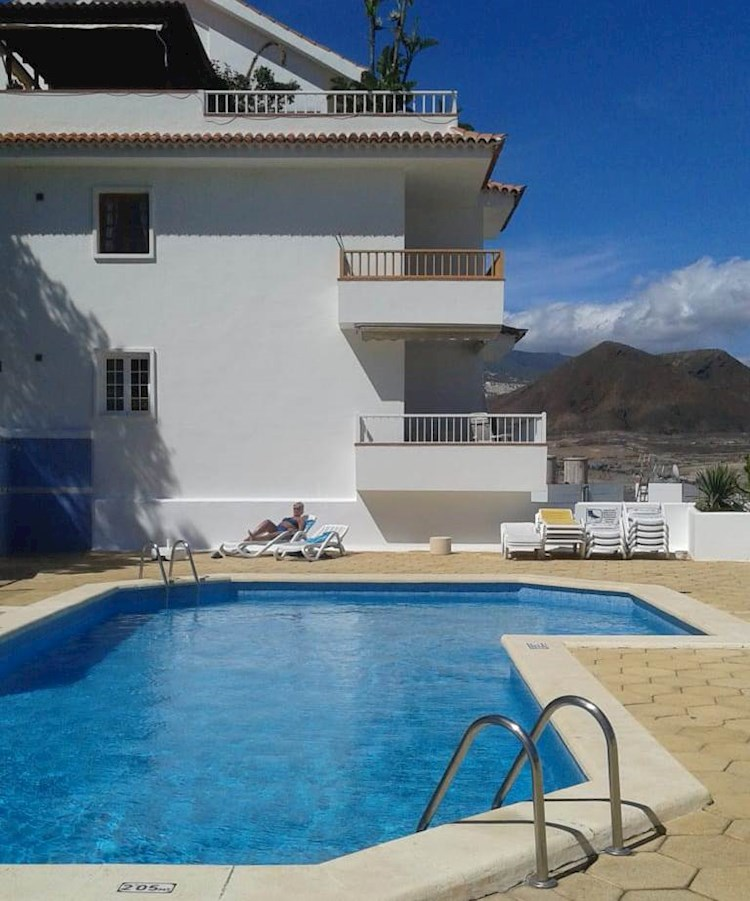 2 Bed Apartment For Long Term Rent In Cactus II, Los