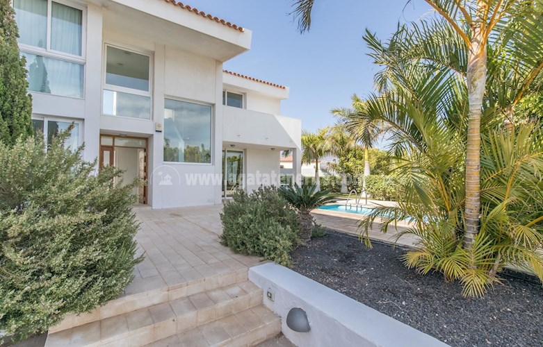 4 bed villa for sale in Amarilla Golf
