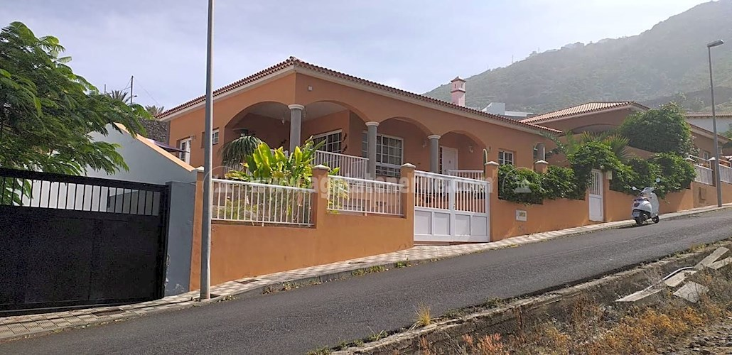 3 bed villa for sale in Las Cruces, Tenerife