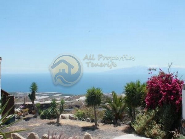 Rustic House For sale in Guia de Isora, Tenerife