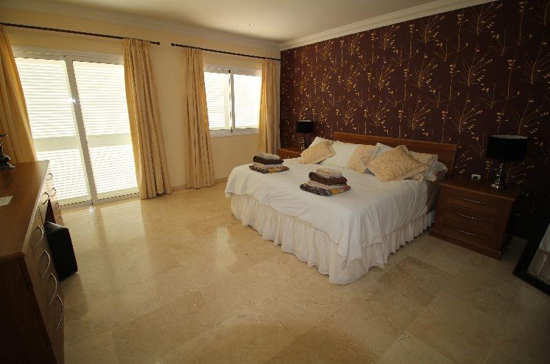 Roque del Conde 4 Bed Villa For Sale