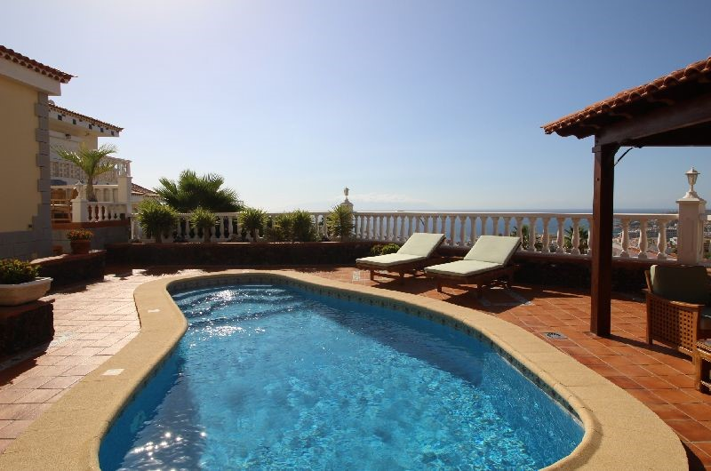 San Eugenio Alto 4 Bed Villa For Sale