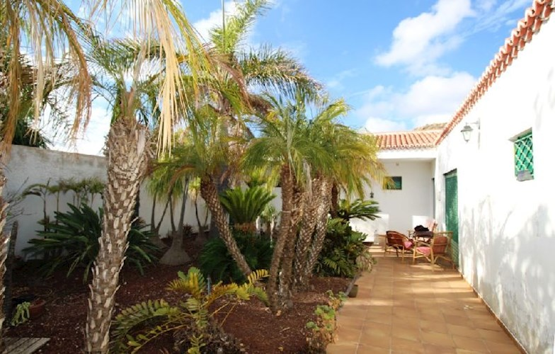 2 bed rustic house for sale in Chimiche