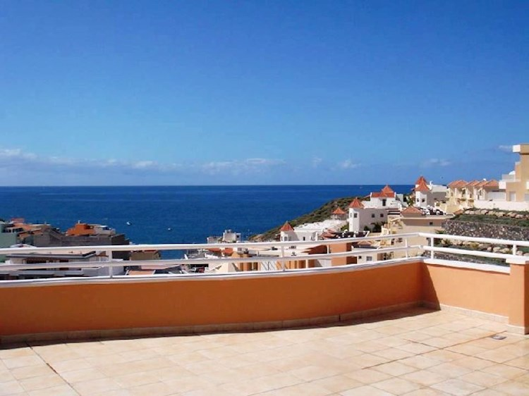 Penthouse For sale in La Caleta, Tenerife