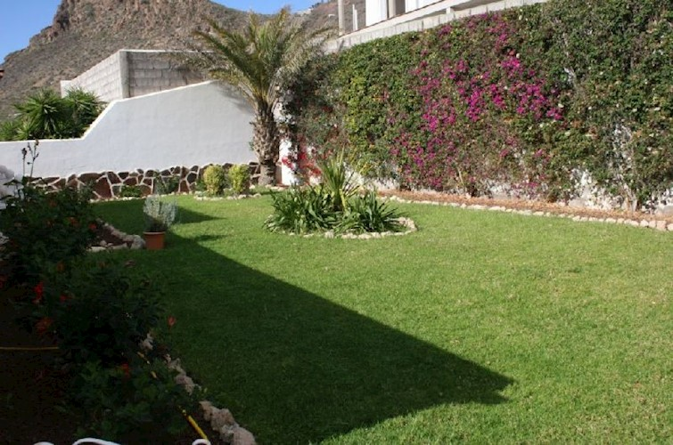 3 bed bungalow for sale in La Florida, Tenerife