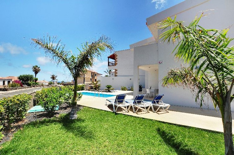 4 bed villa for sale in Amarilla Golf, Tenerife