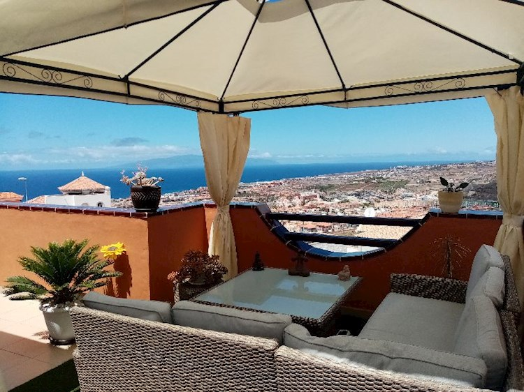 2 bed apartment for sale in Casablanca, Torviscas Alto, Tenerife