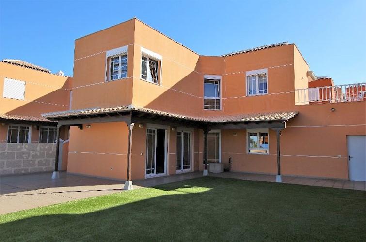 Villa For sale in Los Cristianos, Tenerife