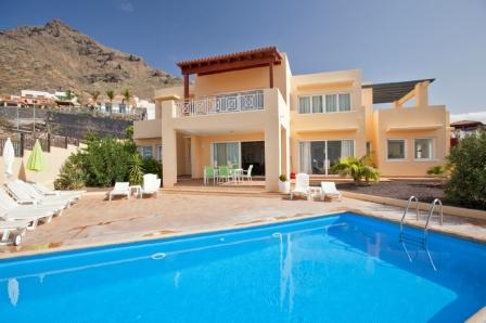 5 Bedroom House For Sale in Torviscas Alto, Tenerife