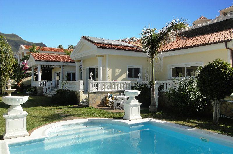 4 Bedroom House For Sale in San Eugenio Alto