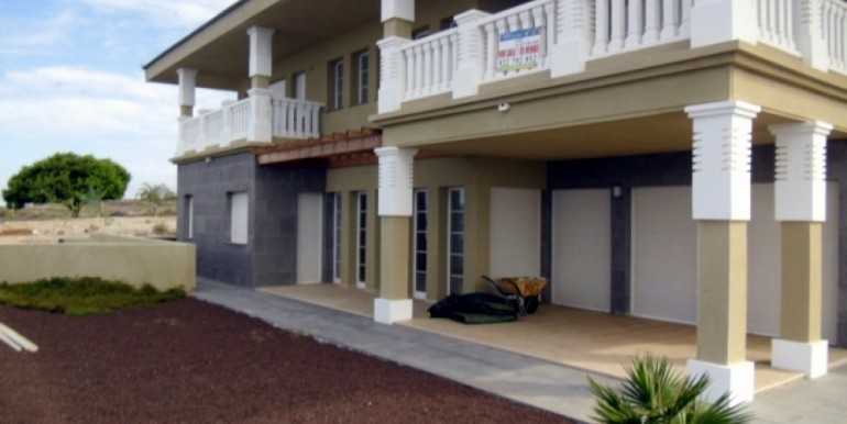 Semi-Detached House For sale in Playa Paraiso, Tenerife