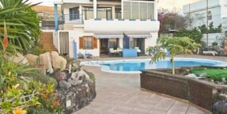 Semi-Detached House For sale in Playa de la Arena, Tenerife