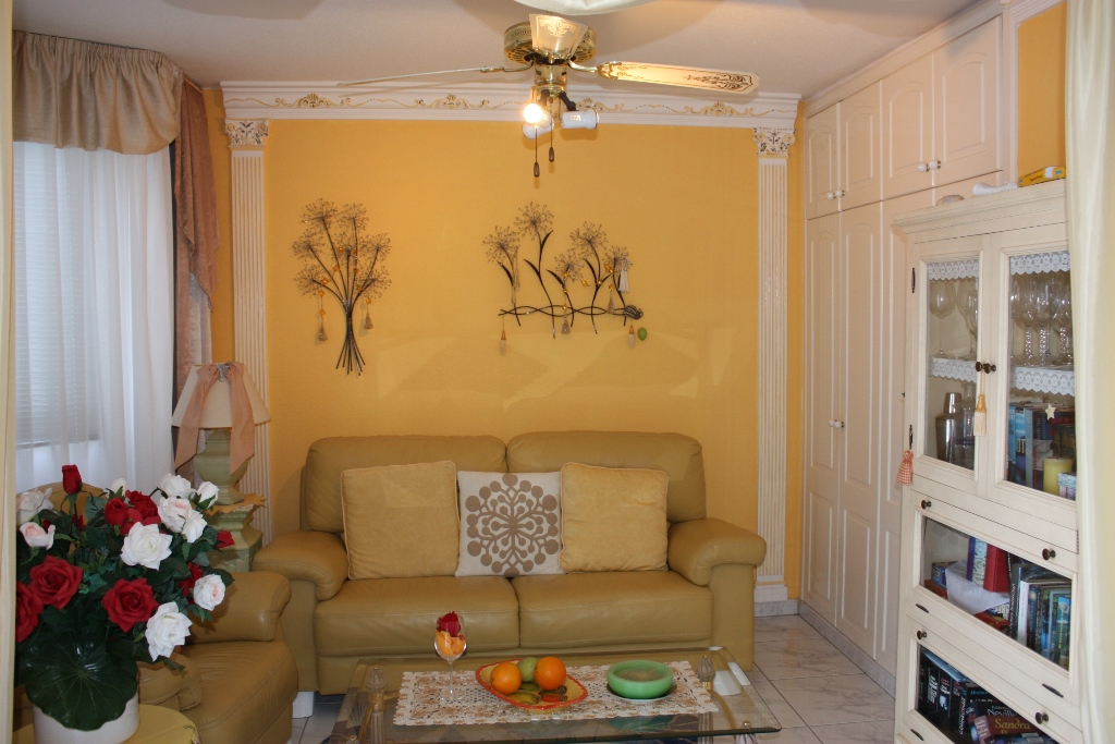 2 Bedroom House For Sale in Torviscas Alto