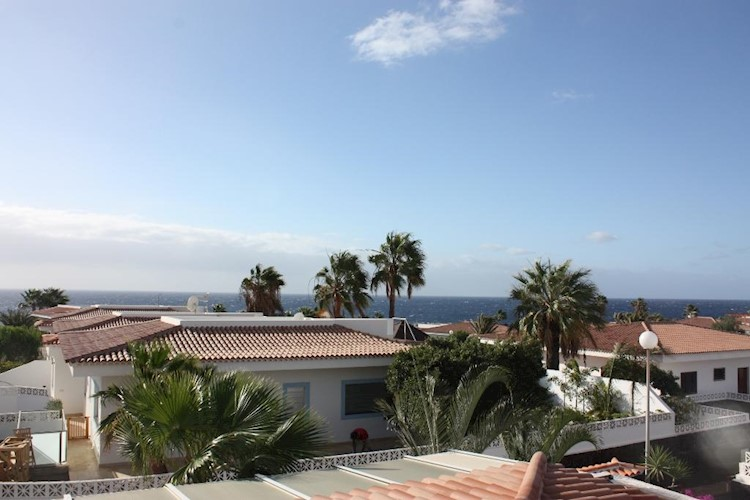 3 bed detached house for sale in Parque Albatros, Costa del Silencio