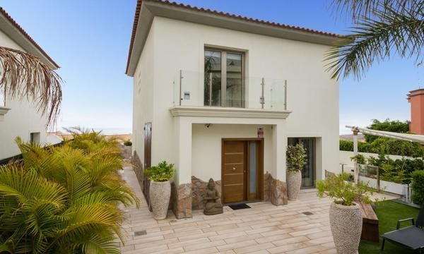 Villa For sale in Chayofa, Tenerife