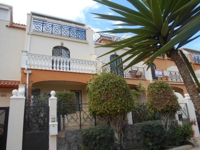 Townhouse For rent in Los Cristianos, Tenerife