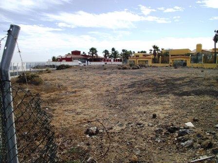 Building Plot For Sale in Golf del Sur