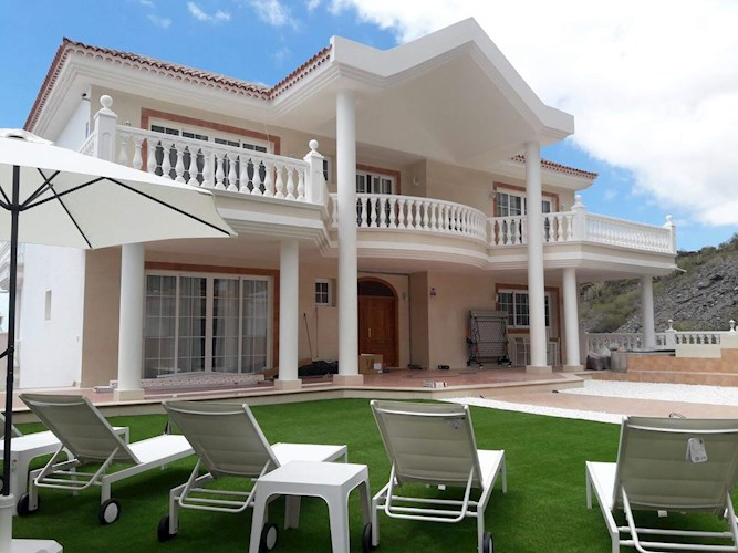 Villa For sale in Roque del Conde, Tenerife