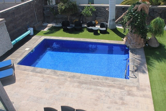 Semi-Detached House For sale in Playa  Fanabe, Tenerife