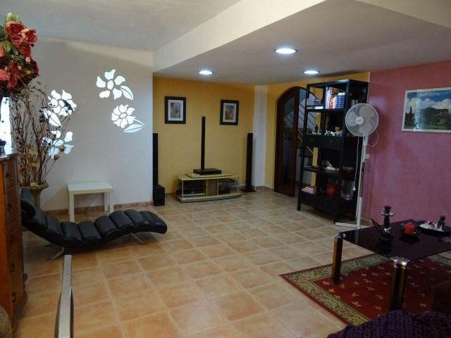 4 bed townhouse for sale in Mariben, Callao Salvaje