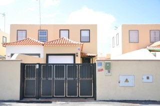 Las Rosas 2 Bed Townhouse For Sale