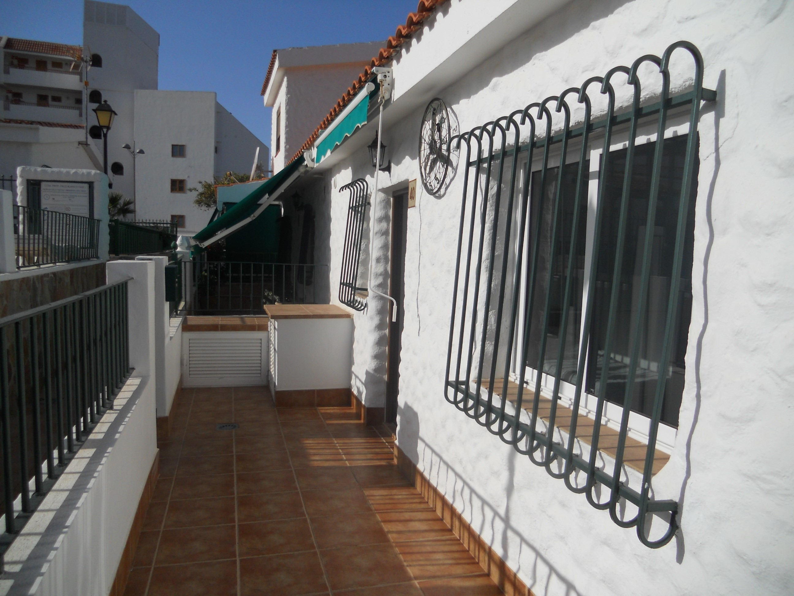 San Eugenio Bajo 2 Bed Bungalow For Sale, Tenerife