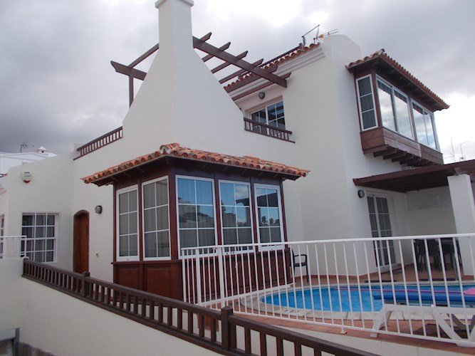 3 bed villa for sale in La Caleta
