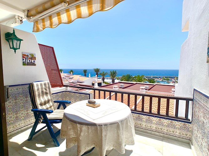 Bungalow For sale in Puerto Colon, Tenerife