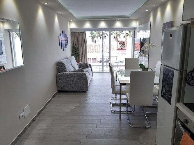 2 bed bungalow for sale in Club Atlantis, Puerto Colon, Tenerife