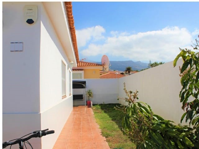 Semi-Detached House For sale in Callao Salvaje, Tenerife