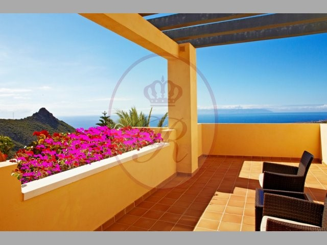 Roque del Conde 5 Bed Villa For Sale