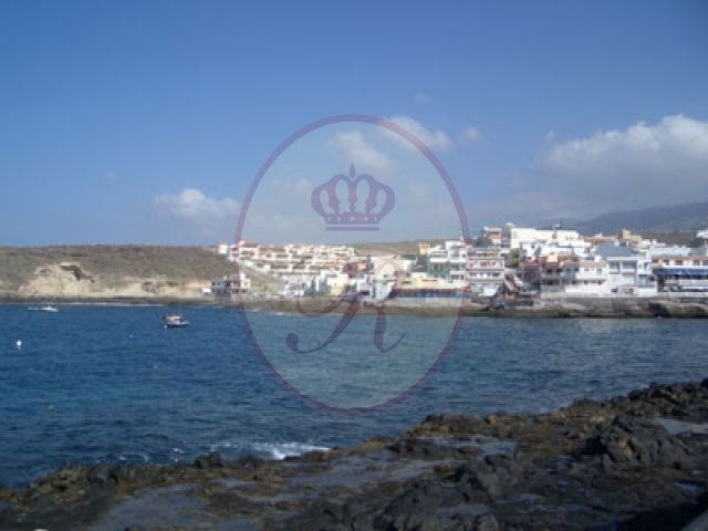 Fully Equipped Local For sale in La Caleta, Tenerife