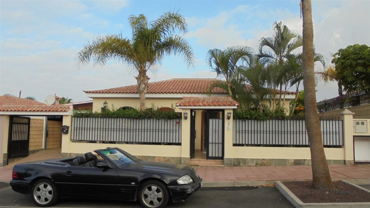 For sale in Playa  Fanabe, Tenerife