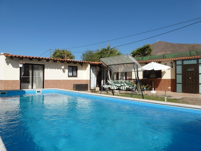 3 bed townhouse for sale in Charco del Pino
