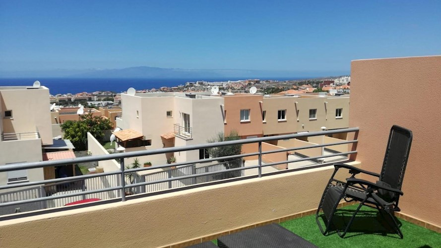 Townhouse For rent in El Madronal, Tenerife