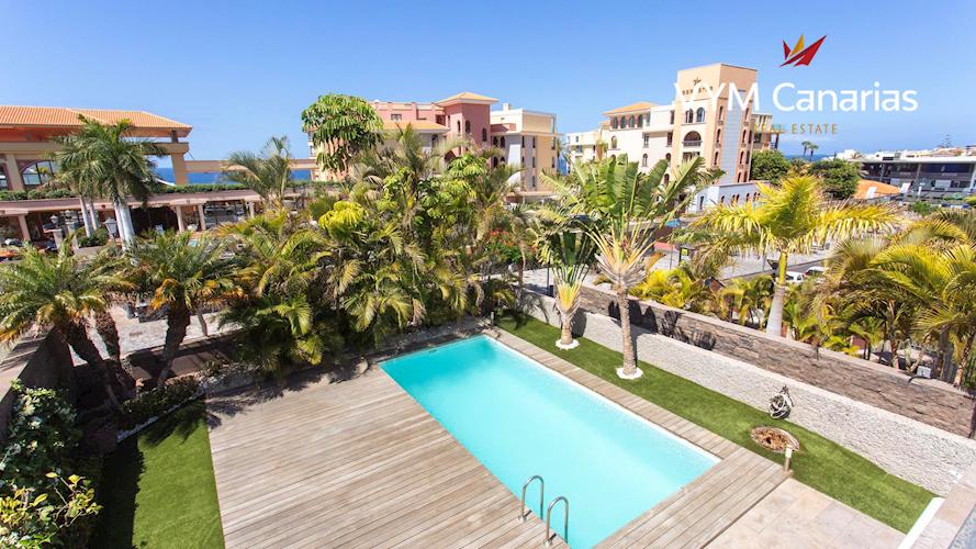 Villa For sale in El Duque, Tenerife